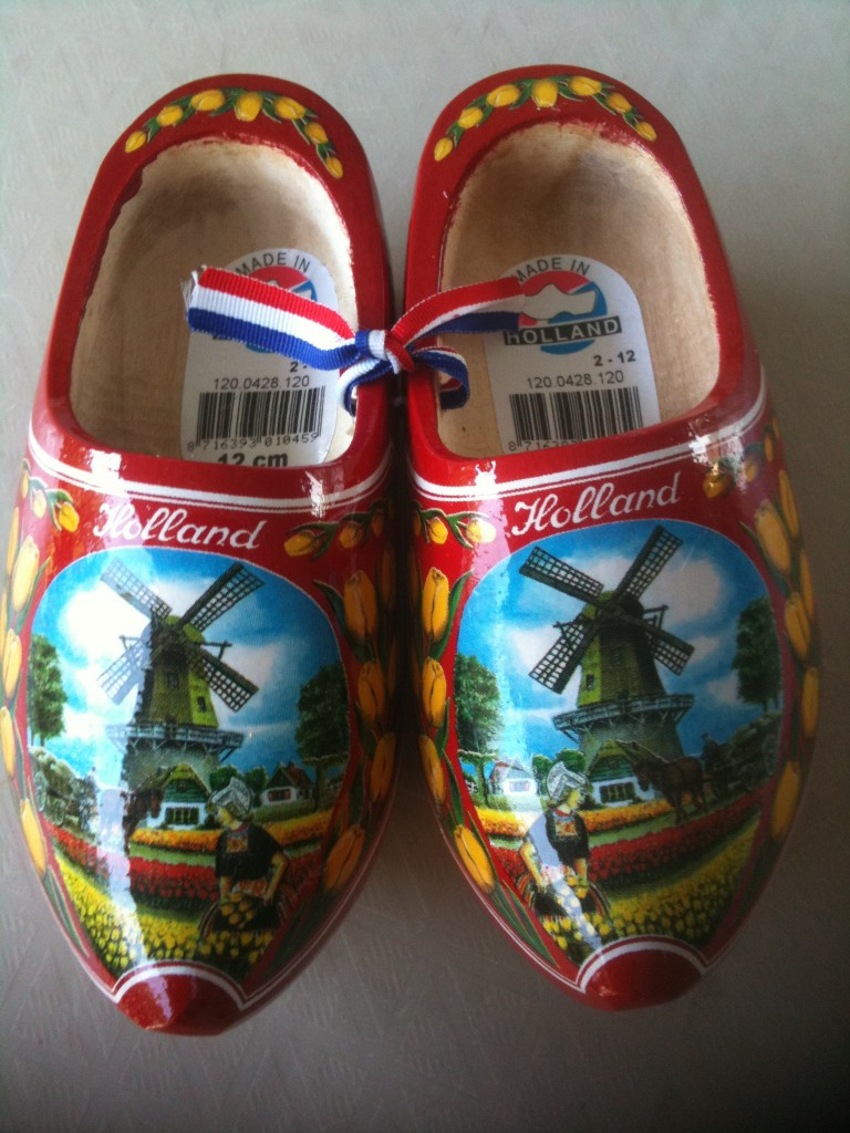A pair of beautiful Dutch clogs